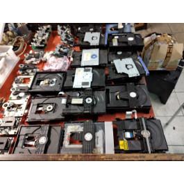 stock-lettori-dvd-cassette
